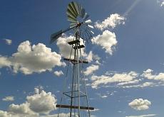 Instalação de moinho de vento Surgente na fazenda �gua Branca em Maracaju - MS